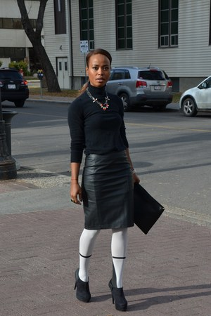 white Legwear Loft tights - black leather Forever 21 skirt