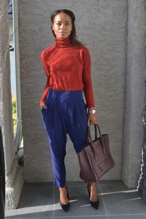 crimson Celine bag - brick red Zara top