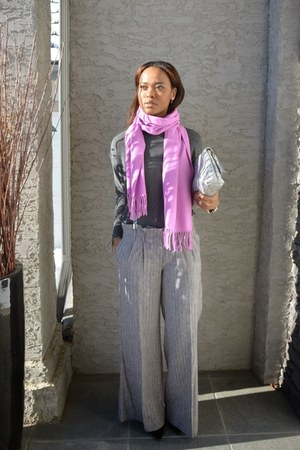 bubble gum Fraas scarf - heather gray bcbg max azria pants