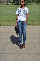 sky blue Gap jeans - white cotton Vero Moda t-shirt - black JustFab heels