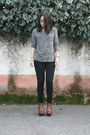 Black-c-a-tights-brown-seaside-heels-gray-cache-cache-t-shirt
