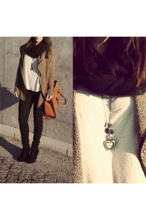 Zara bag - Seaside shoes - c&a leggings - Bershka shirt - Claires accessories