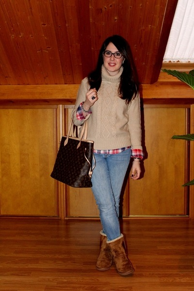 camel BLANCO sweater - brown Pimkie boots - blue Primark shirt