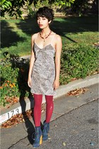 blue suede Steve Madden boots - cranberry American Apparel tights