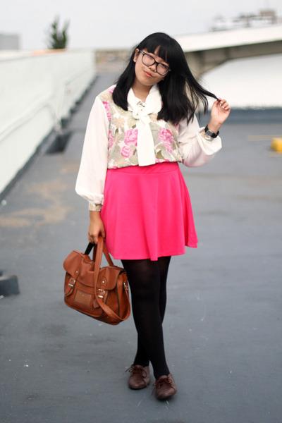hot pink skater skirt - tawny satchel bag - white floral print blouse