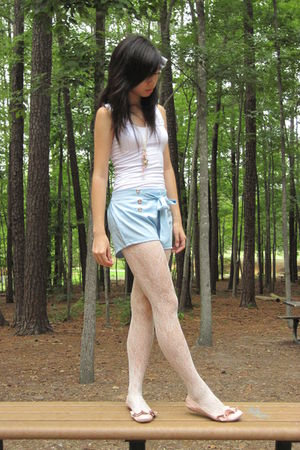 Forever 21 top - shorts - Forever 21 tights - necklace - Report Footwear shoes -