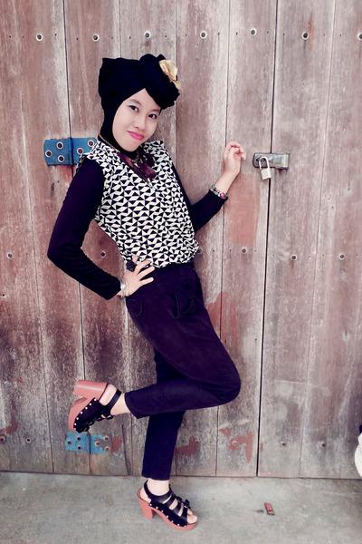 triangle top - pants - heels