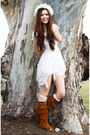 Burnt-orange-fringe-minnetonka-boots-white-mesh-free-people-dress