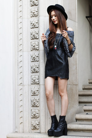 black overalls Morphologie dress - black chunky Jeffrey Campbell boots