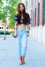 Light-blue-boyfriend-jeans-jeans-brown-chain-nordstrom-bag