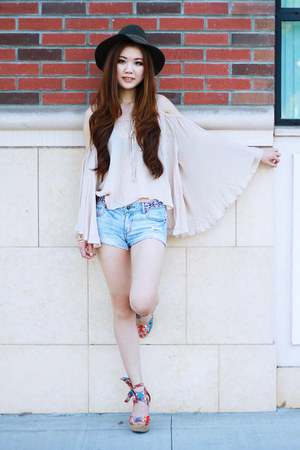 beige Morphologie top - sky blue denim shorts Forever 21 shorts