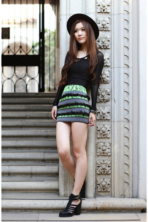 green Morphologie skirt - black Zara hat - black mesh Charlotte Russe top