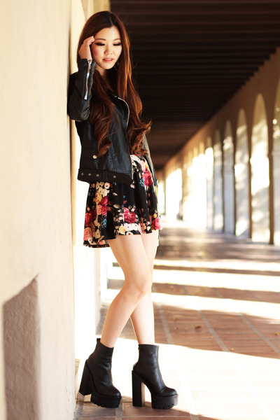 black floral Forever 21 skirt - black chunky Jeffery Campbell boots