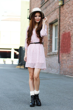 beige sunhat Forever 21 hat - black leather Topshop boots