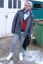 H&M jacket - Primark pants - Peoples Market vest - Supremebeing shoes - vintage