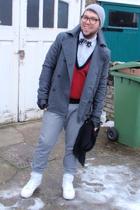 H&M jacket - Primark pants - Peoples Market vest - Supremebeing shoes - vintage