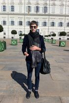 black vintage scarf - blue Zara jacket - blue april 77 jeans - black comme de ga