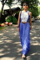 blue dress - bronze belt - silver sandals