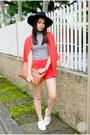 Black-hat-tan-chloe-and-davis-bag-red-h-m-cardigan