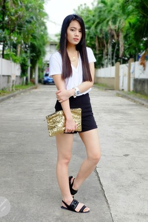 black high waist All about hue shorts