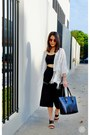 Black-leather-tote-abby-jocson-bag-white-kimono-forever-21-cape