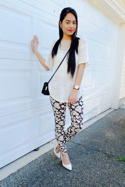 white Aldo wedges - floral Forever 21 leggings - Old Navy ring