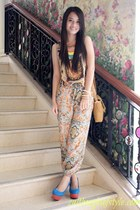 clothes for the goddess pants - WAGW necklace - suede Primadonna heels