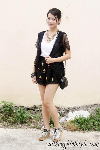 Wear Mauve necklace - snakeskin Primadonna shoes - dress up shorts