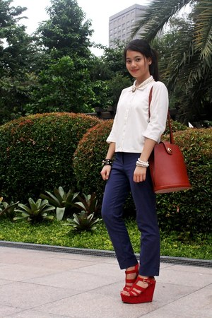brown Louis Vuitton bag - navy H&M pants - white old JC Buendia X Kashieca top
