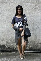 dark gray WAGW shirt - heather gray high waist old Style Breaker shorts