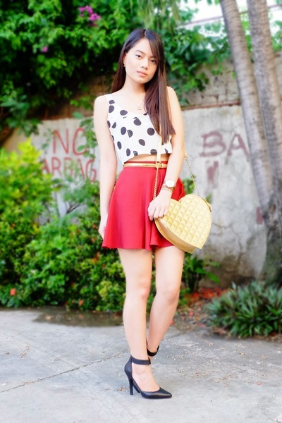 white crop Urban Dressing top - gold Abby Jocson bag