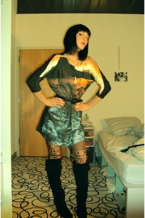 H&amp;M dress - H&amp;M tights - restricted boots - vintage belt
