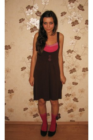 dark brown thrifted dress - hot pink socks - hot pink New Yorker top - dark brow