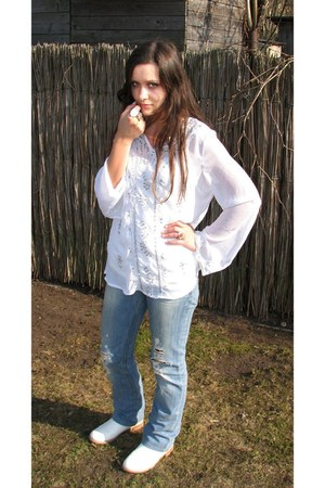 white Charles & Keith boots - sky blue ripped Diesel jeans - white blouse
