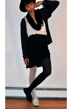 black and white American Apparel tights