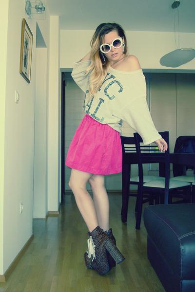 Zara skirt - UNIF shoes - Romwecom sunglasses - Mango blouse