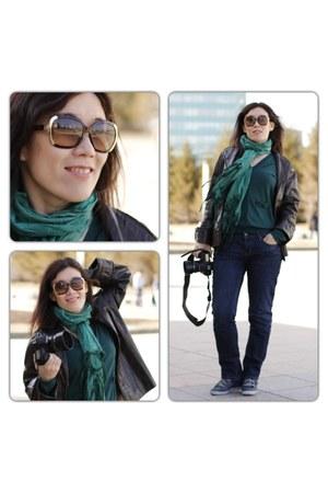Levis jeans - Michael Kors sunglasses - Park Bravo cardigan