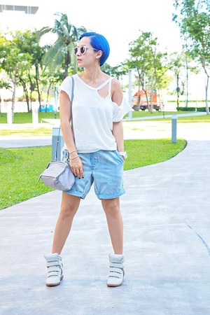 silver Givenchy bag - bubble gum sunglasses - white sneakers