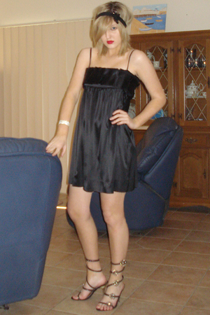 DAuG dress