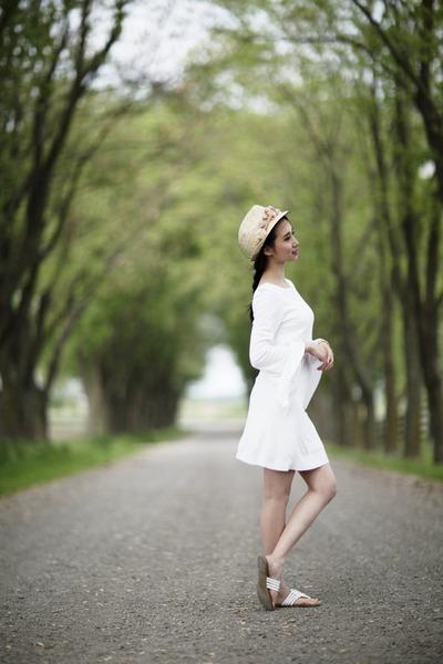 white Zara dress - tan Aldo hat - white Guess sandals