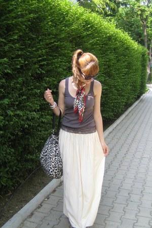 Esprit scarf - Terranova bag - vintage skirt