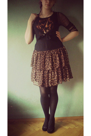shoes - skirt - blouse