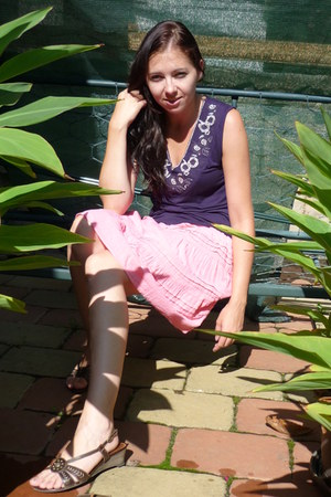 deep purple Secondhand top - light pink Secondhand skirt