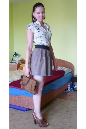 tawny shoes - tawny bag - light brown Orsay skirt - off white floral print Secon