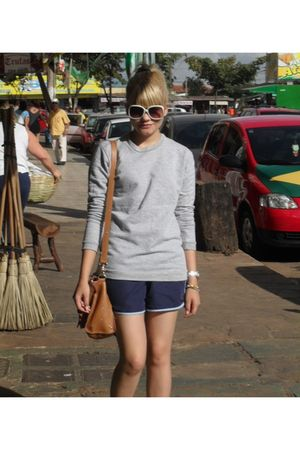 silver Americanas blouse - blue Americanas shorts - brown Brs purse