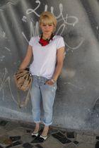 white Riachuello t-shirt - blue Renner pants - beige Renner purse - Riachuello s