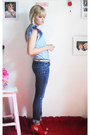Blue-zara-pants-white-vintage-belt-red-debora-berti-sandals-light-blue-lay