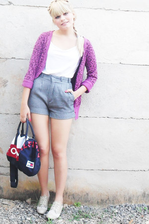 beige santa lolla shoes - navy Tommy Hilfiger bag - heather gray vintage shorts