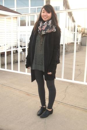 H&M scarf - Vero Moda sweater - American Apparelmerican Apparel leggings - wilfr