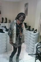 Zara dress - friperie shoes - texto blazer - Zara hat